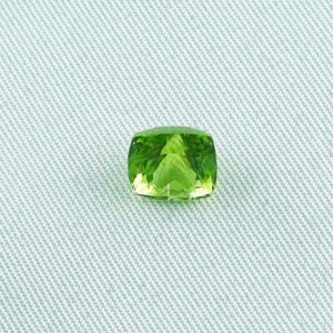 2.44 ct peridot gemstone jewelry stone 7.45 x 6.89 x 6.16 mm