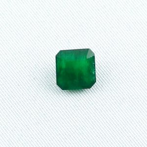 2.16 ct emerald gemstone jewelry stone 8.18 x 8.00 x 4.55 mm
