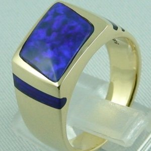 K00006_5_Goldring_Black Crystal Opal.jpg