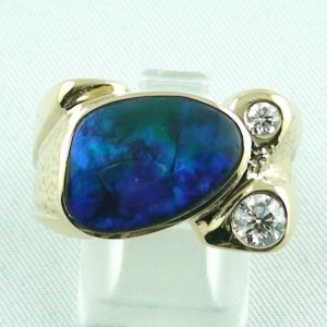 27.90 gr. opalring, 18k / 750 goldring with 3.20 ct Black Opal men's ring