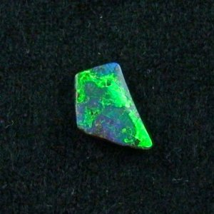 shining 1.68 ct boulder opal gemstone 12.53 x 7.78 x 2.44 mm, pic6