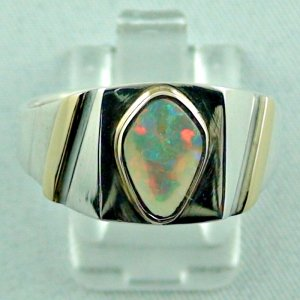 opalring, 11.10 gr goldring silverring with white opal 1.40 ct