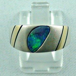 Opalring, 8k white goldring, 1.65 ct black opal, 14k yellow gold inlays