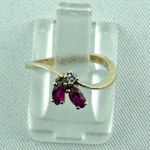 1.18 grams. rubyring, 8k goldring with ruby, ladies ring