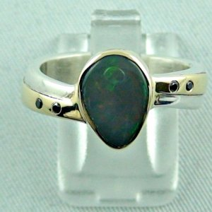 2.20 ct opalring, 7.85 gr silverring, black opal, ladies ring