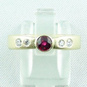Ruby ring, 5.79 gr. 14k goldring with ruby, 585 yellow gold, diamonds