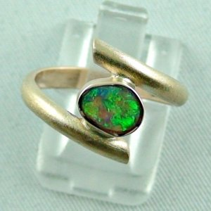 Opalring, 3.06 gr. goldring 8k with Black Crystal Opal 0.67 ct
