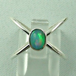 Ladies ring, opalring, 2.86 gr silverring with Welo opal 0.82 ct
