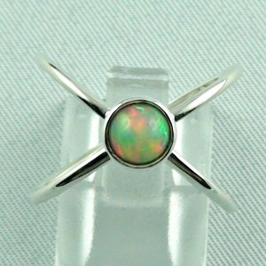 opalring, ladies ring, 2.69 gr silverring with Welo opal 0.78 ct