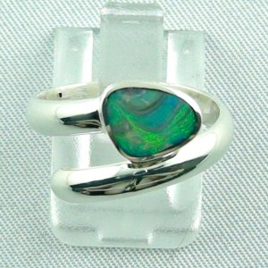 opalring, 3.84 gr silverring with black opal 0.56 ct, ladies ring