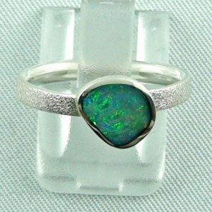 Opalring / Sterling Silberring mit 0,77 ct Black Opal