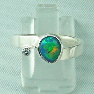 Designerring mit 0,68 ct Black Crystal Opal u Diamant