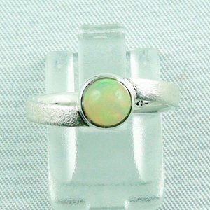 2.60 gr Opalring, Silberring mit Welo Opal 0.89 ct