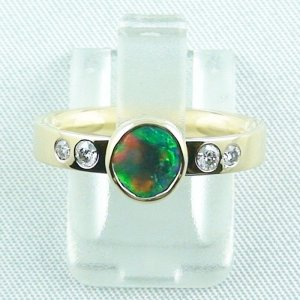 Gelbgoldring 18k mit Top GEM Black Opal 0,68 ct u. Diamanten zus. 0,16 ct