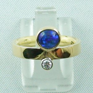 5.75 gr. opalring, 18k gold ring, 0.90 ct Black Crystal Opal