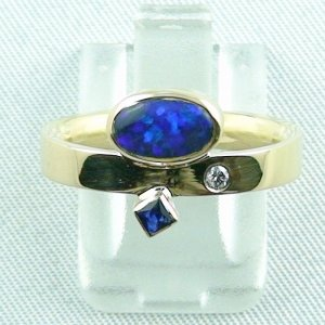 5.70 gr. opalring, 750 goldring, 0.96 ct black opal ladies ring