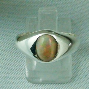 4.40 gr opalring, silver ring with Welo Opal 0.92 ct