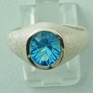 Bluetopazring, 4.89 gr silver ring with blue topaz 2.83 ct