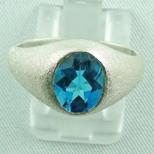 Bluetopazring, 4.93 gr silver ring with blue topaz 3.02 ct