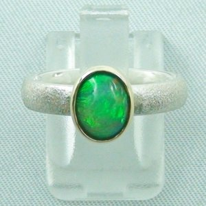 4.85 gr opalring, silver ring women with Welo Opal 1.21 ct