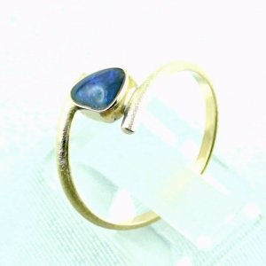 2.33 gr opalring, 18k / 750 goldring with 0.40 ct Black Opal, pic3