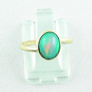 2.38 gr opalring, 18k / 750 goldring with 1.26 ct Welo Opal