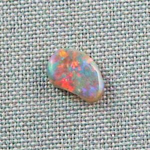 1,52 ct Semi Black Opal 11,52 x 8,07 x 2,99 mm