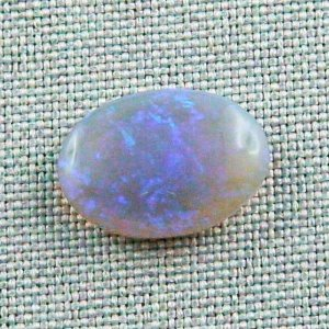 5,53 ct Black Crystal Opal 16,79 x 11,96 x 4,84 mm