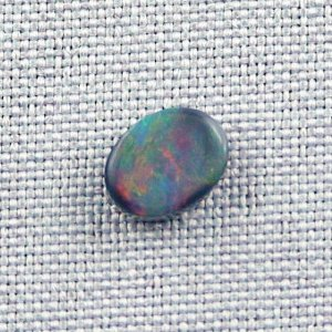 1,58 ct Black Opal 9,67 x 7,46 x 3,08 mm
