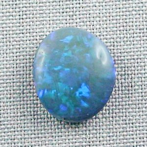 9,23 ct Black Crystal Opal 17,78 x 15,06 x 5,78 mm
