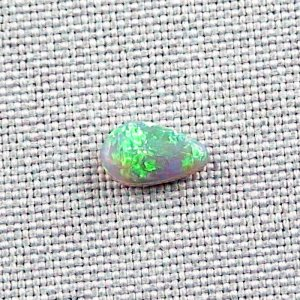 0,90 ct Black Crystal Opal 9,44 x 5,75 x 2,73 mm
