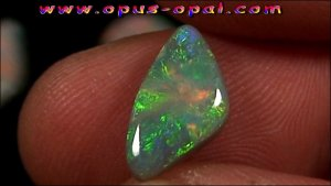 TO00150_1_GEM Class Black Opal 2,50 ct.jpg