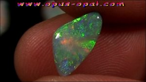 TO00150_5_GEM Class Black Opal 2,50 ct.jpg
