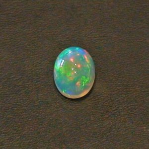 5.81 ct Welo Opal gemstone 16.62 x 10.80 x 7.52 mm