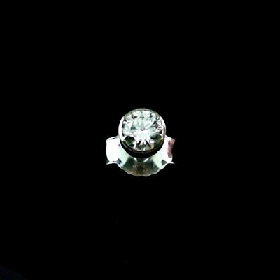 0.51 gr men ear stud 0.155 ct diamond earring, pic1