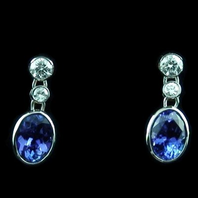 4.11 gr tanzanite earrings ear studs 18k white gold and diamonds, pic1