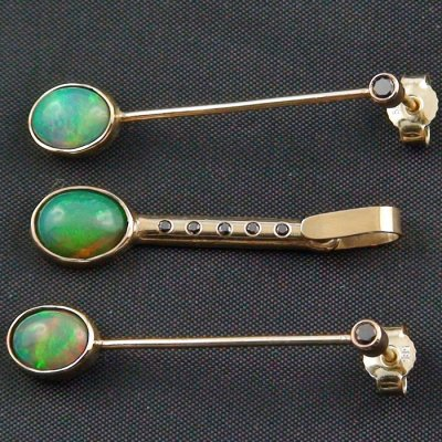 Opal earrings gold pendant 14k with 3,00 ct opals and diamonds, pic2