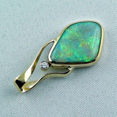 9.58 gr. Gold pendant with 6.73 ct Semi Black Opal + Diamond, pic4
