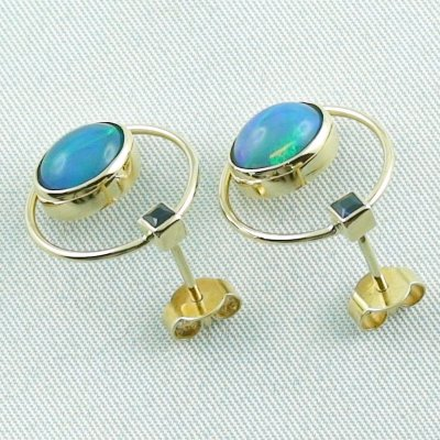 4.48 gr. opal ear studs, earrings 18k gold with 2.99 ct welo opals, pic3