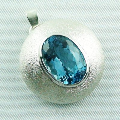 14.79 gr. Silver pendant and necklace with 7.64 ct blue topaz, pic6