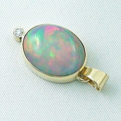 5.42 gr. gold pendant with 10.64 ct Welo Opal, pic3