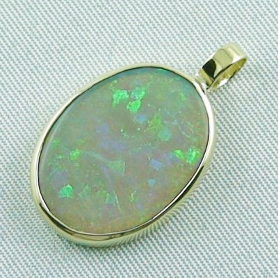 2.73 grams. Gold pendant with 7,57 ct Black Crystal Opal, pic2