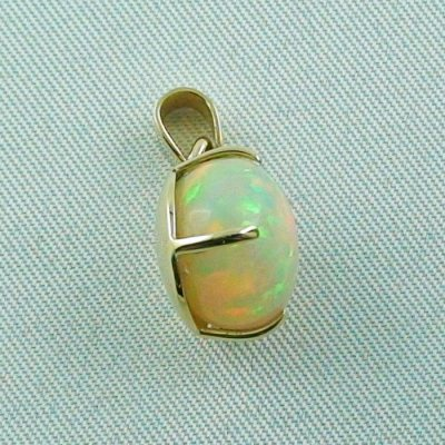 opalpendant, gold pendant 18k with Welo Opal, diamond, pic7
