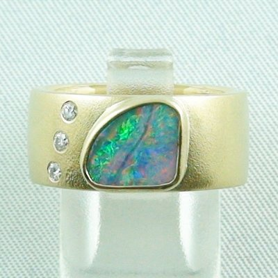 opalring, 18k goldring, ladies ring with boulder opal and diamonds, pic1