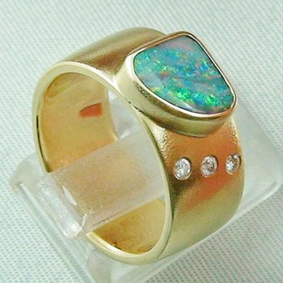 opalring, 18k goldring, ladies ring with boulder opal and diamonds, pic4