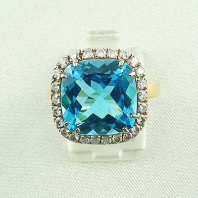 8,60 gr Goldring 18k, blue topaz ring with diamonds, ladies ring, pic6