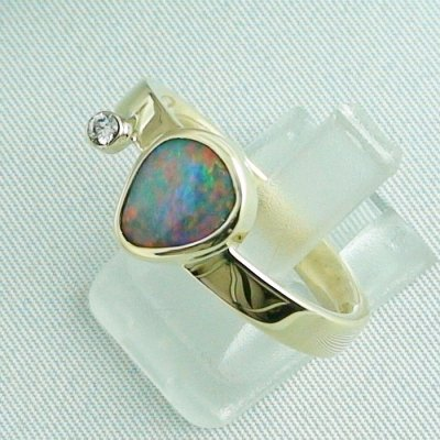 7,27 gr opalring, 14k goldring, ladies ring, black crystal opal and diamond, pic2