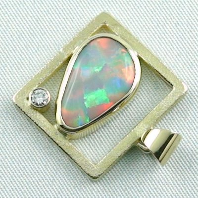 8,61 gr opalpendant, gold pendant 18k with white opal, diamond, pic3
