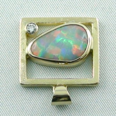 8,61 gr opalpendant, gold pendant 18k with white opal, diamond, pic4