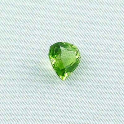 2.34 ct peridot gemstone jewelry stone 8.67 x 8.12 x 5.22 mm, pic4